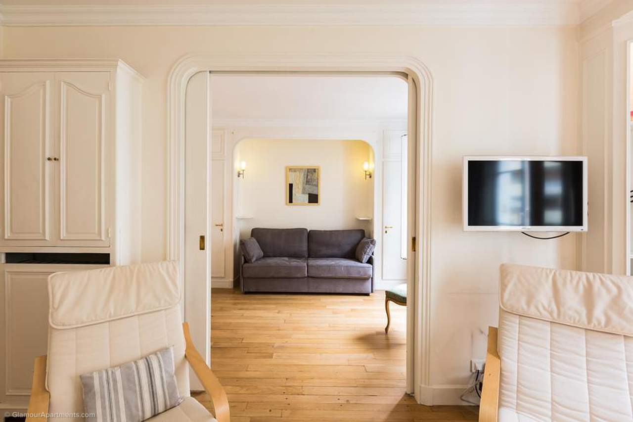 1 Bedroom Paris Apartment For Rent Next To Les Invalides