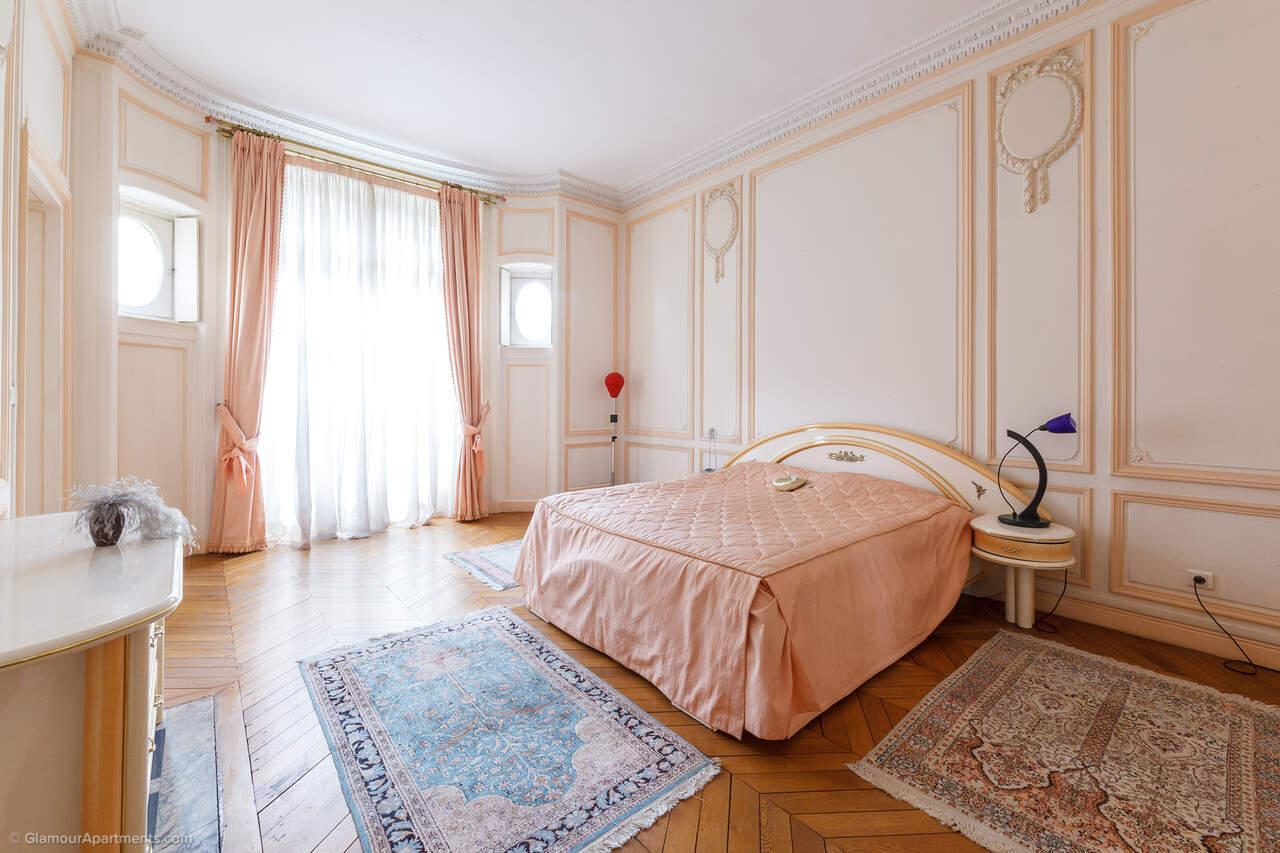 第一间卧室